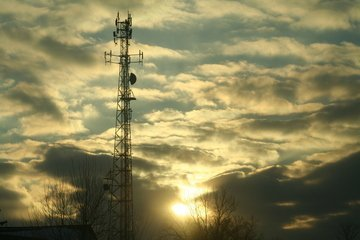 Critical Things to Look for in a Cell Tower Lease Consultant
